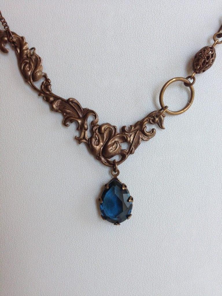Deco-vine Bohemian Pear Crystal Necklace